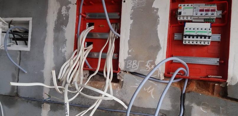 Монтаж електричних щитків в приватному будинку